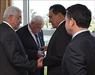 Abbas (L) with Sharon, Mubarak and Jordan's King Abd Allah (R).