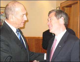 Rep. Mark Steven Kirk, R-Ill (official sponsor of the new AIPAC bill) with Israeli leader Ehud Olmert.